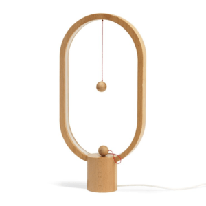 Heng Balance Ellipse Erable clair Lampe à poser LED avec allumage magnétique Bois H40cm