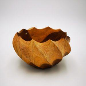 Coupe en bois torsadée Boutiques decoration Terre Lointaine