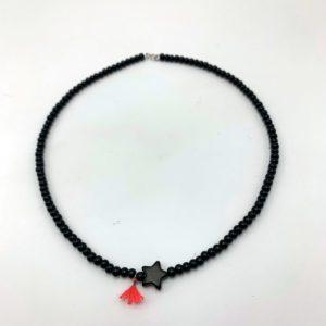 Collier-étoile-noir-perles-bois-pompon-rose magasin mode toulouse