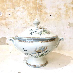 Soupière en porcelaine de Limoges Manille