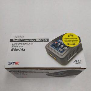 Chargeur universel de batterie Lipo NiMH 50 W 4A SKYRC E450